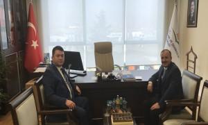 Başkanımız Sn. İsmail Raci BAYER, Bakanlığımız I. Hukuk Müşaviri olarak göreve başlayan eski Erzurum Büyükşehir Belediyesi Başkanı (2004-2014) Sayın Av. Ahmet KÜÇÜKLER'i makamında ziyaret etti.