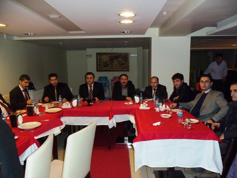 Arkadaşlarımız Ercan Tuyoğlu, Murat Gök ve Mustafa Yalvaç için veda yemeği düzenlendi.