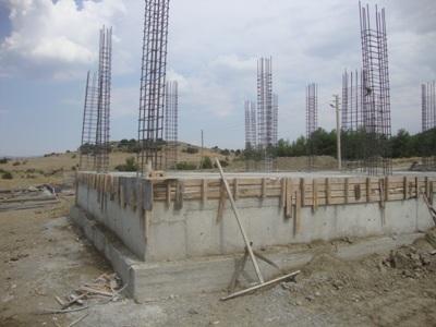 Çevre ve Şehircilik İl Müdürümüz Mansur ABBASİGİL ve Gölhisar İlçe Kaymakamımız Sayın ; Hüseyin Kürşat KIRBIYIK ile Karapınar Köyü Kuşdili Mahallesi 42 Konut inşaatında
