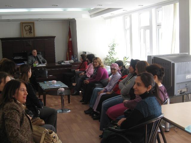 İl Müdürümüz çalışan bayan personellerimizin Dünya Kadınlar Gününü kutladı.
