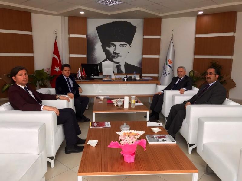 Hakkari Üniversitesi Rektörü Sn Prof. Dr. Ömer PAKİŞ İl Müdürümüzü Ziyaret  Etti