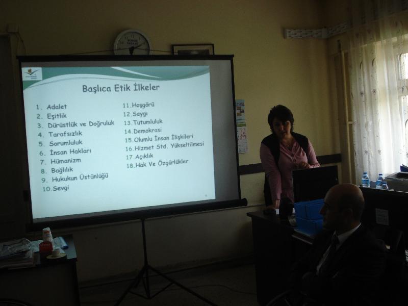 İl Müdürlüğümüz Personeline Yönelik Kamuda Etik Paylaşımlar Konulu Seminer Düzenlenmiştir.