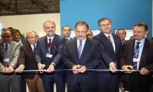 Bakan Özhaseki COP23'te Türkiye ve Sergi Stant Alanını Açtı