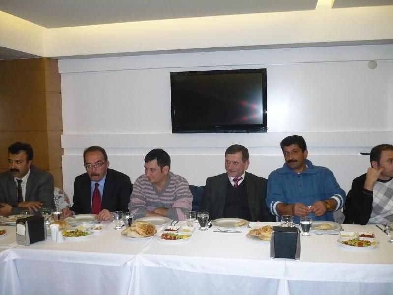 Amasaya Çevre ve Şehircilik İl Müdürlüğü görevine atanan İl Müdürümüz Sayın Ömer BOLAT için düzenlenen veda yemeği