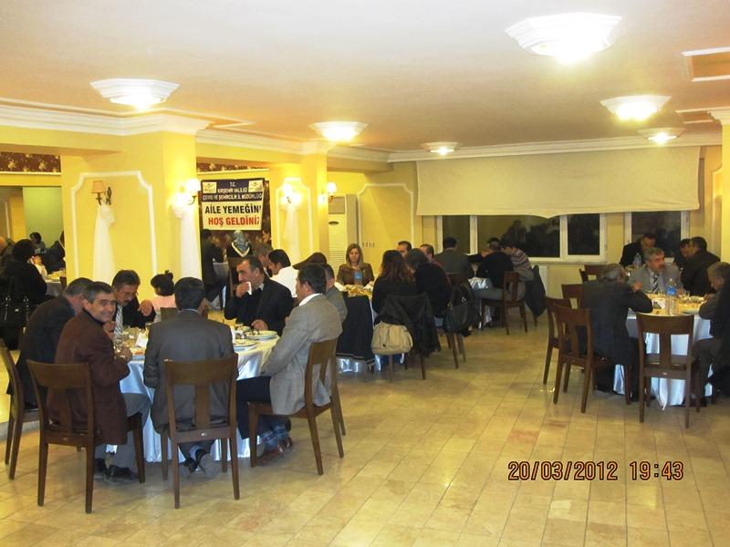 Mesai arkadaşlarımız aileleri ile birlikte yemekte biraraya geldi.