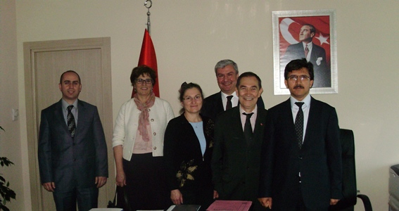 TOBB üyesi TSÜM heyeti Genel Müdürümüz Sn Selami MERDİN'e başarı dileği ziyareti gerçekleştirmiş ve sektör sorunlarına ilişkin bilgi vermiştir.