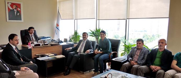 Sivas Belediyesi İmar Dairesi Başkanı ve beraberindeki heyet İmar Yönetmeliği uygulamaları konusunda bilgi edinmek üzere Genel Müdürümüz Sn.Selami MERDİN'i ziyaret etmişlerdir.