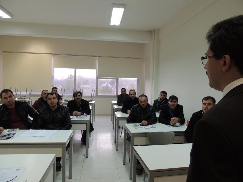 Genel Müdürümüz Betonarme Demirci Ustalarının eğitimini denetlemiş, eğitim alan ustalarımızın sorunlarını dinlemiş ve moral desteği vermiştir.