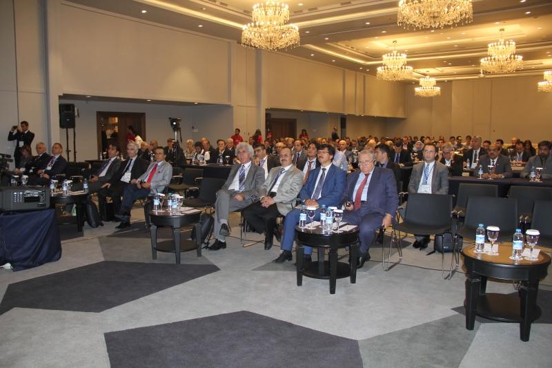ASHRAE'nin 120 Yılı aşkın Deneyimi ve 54.000'in Üzerindeki Üyesiyle Dünya Çapındaki Gücü İstanbul'un Ruhuyla Buluşuyor. ASHRAE RAL CRC'e Bakanlığımızı Temsilen Sn. Genel Müdürümüz Selami MERDİN Temsil etmiştir.