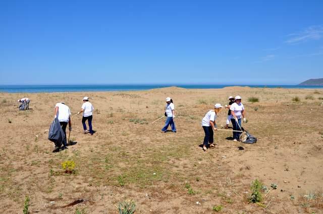 Akliman Sahilinde Çevre Temizliği Düzenlendi