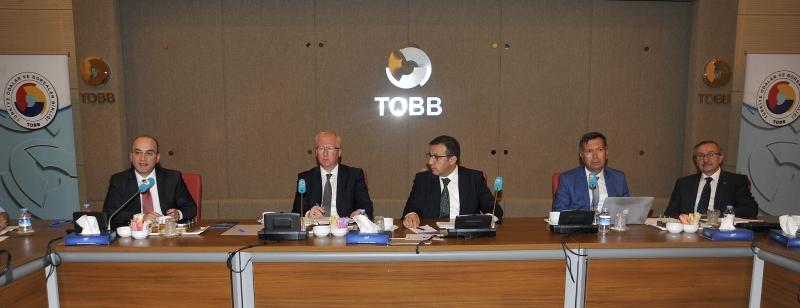 YOİKK Yatırım Yeri, Çevre ve İmar İzinleri Teknik Komitesi Toplantısı Bakanlığımız Müsteşar Yardımcısı Refik TUZCUOĞLU Başkanlığında ve TOBB'un Ev Sahipliğinde Gerçekleştirilmiştir