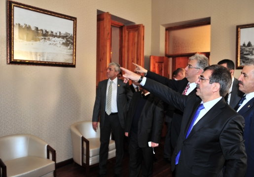 Çevre Ve Şehircilik Bakanı İdris Güllüce Kars'ta