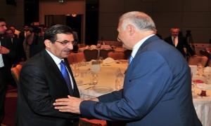 Bakan Güllüce'ye Türk Dünyası Şehircilik Özel Ödülü Verildi