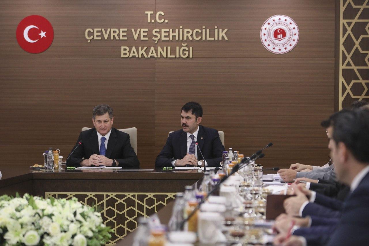 BAKAN KURUM AZERBAYCAN DEVLET EMLAK KOMİTESİ BAŞKANI HASANOV İLE BİR ARAYA GELDİ