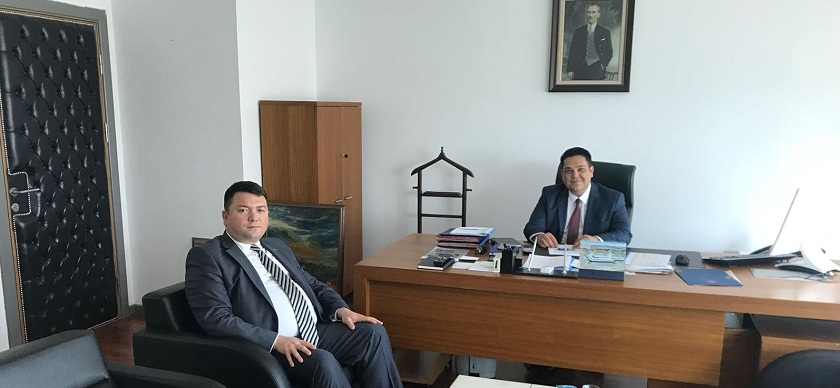 Başkanımız Sn. İsmail Raci BAYER, İller Bankası A.Ş. Genel Müdür Yardımcısı olarak atanan Sn. Emrah BAYDEMİR'e hayırlı olsun ziyaretinde bulunarak, Başkanlığımız faaliyetleri hakkında bilgi paylaştı.