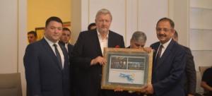 AB Türkiye Delegasyonu Müsteşarı Sn. François BEGEOT, 10/7/2018 tarihinde Çevre ve Şehircilik Bakanlığı görevini devreden Kayseri Milletvekili Sn. Mehmet ÖZHASEKİ'ye veda ziyaretinde bulundu.