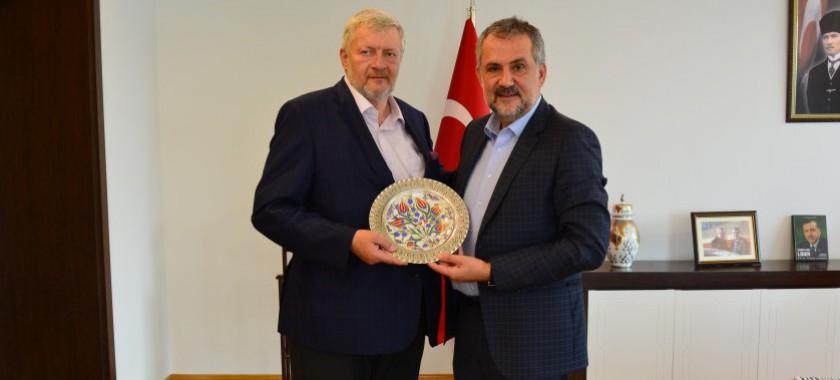 AB Türkiye Delegasyonu Sosyal ve Ekonomik Kalkınma Bölüm Başkanı Sn. François BEGEOT, Bakan Yrd. Prof. Dr. Mehmet Emin BİRPINAR'a veda ziyaretinde bulundu.