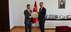Avrupa Birliği Türkiye Delegasyonu Ekonomik ve Sosyal Kalkınma Bölüm Başkanı olarak görevlendirilen Sn. Angel Gutierrez Hidalgo de Quintana Bakan Yardımcımız Sayın Prof.Dr. Mehmet Emin BİRPINAR'a hayırlı olsun ziyaretinde bulundu .