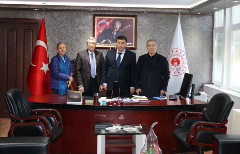DASEV Darendeliler Kültür Sağlık ve Eğitim Vakfı Başkanı Nevzat BUYURGAN, Yönetim Kurulu Başkanı Nadir ÖZATA ile Kadriye GÜZEL'den hayırlı olsun ziyareti.