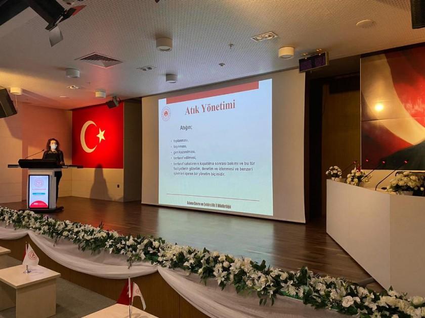 Tıbbi atıkların kontrolü yönetmeliği ile verilen yükümlülükler kapsamında, ilimizde 12-13-14-15 Nisan 2021 tarihlerinde Adana Şehir Eğitim ve Araştırma Hastanesinde yerel eğitim programı kapsamında tıbbi atık eğitimi düzenlenmektedir.