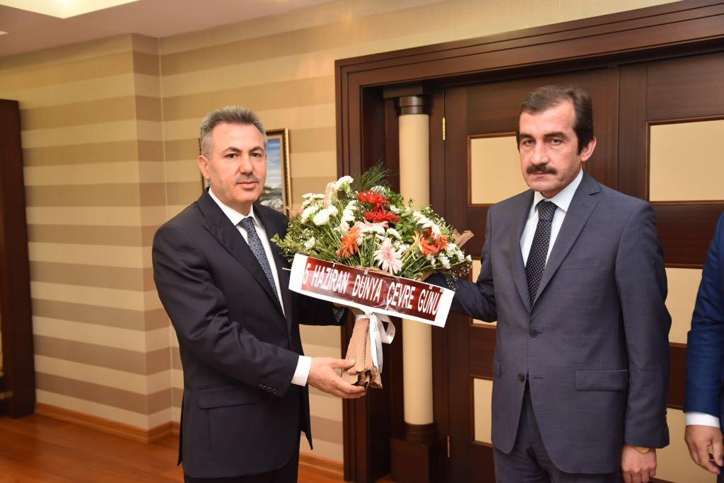 Dünya çevre Günü dolayısıyla İl Müdürlüğümüzce  Sayın Valimiz Süleyman ELBAN makamında ziyaret edildi.