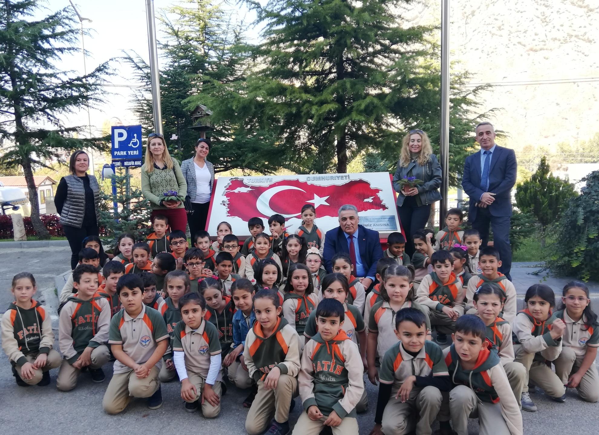 Fatih İlkokulu, Sıfır Atık ve Endemik Bitki Ters Lale