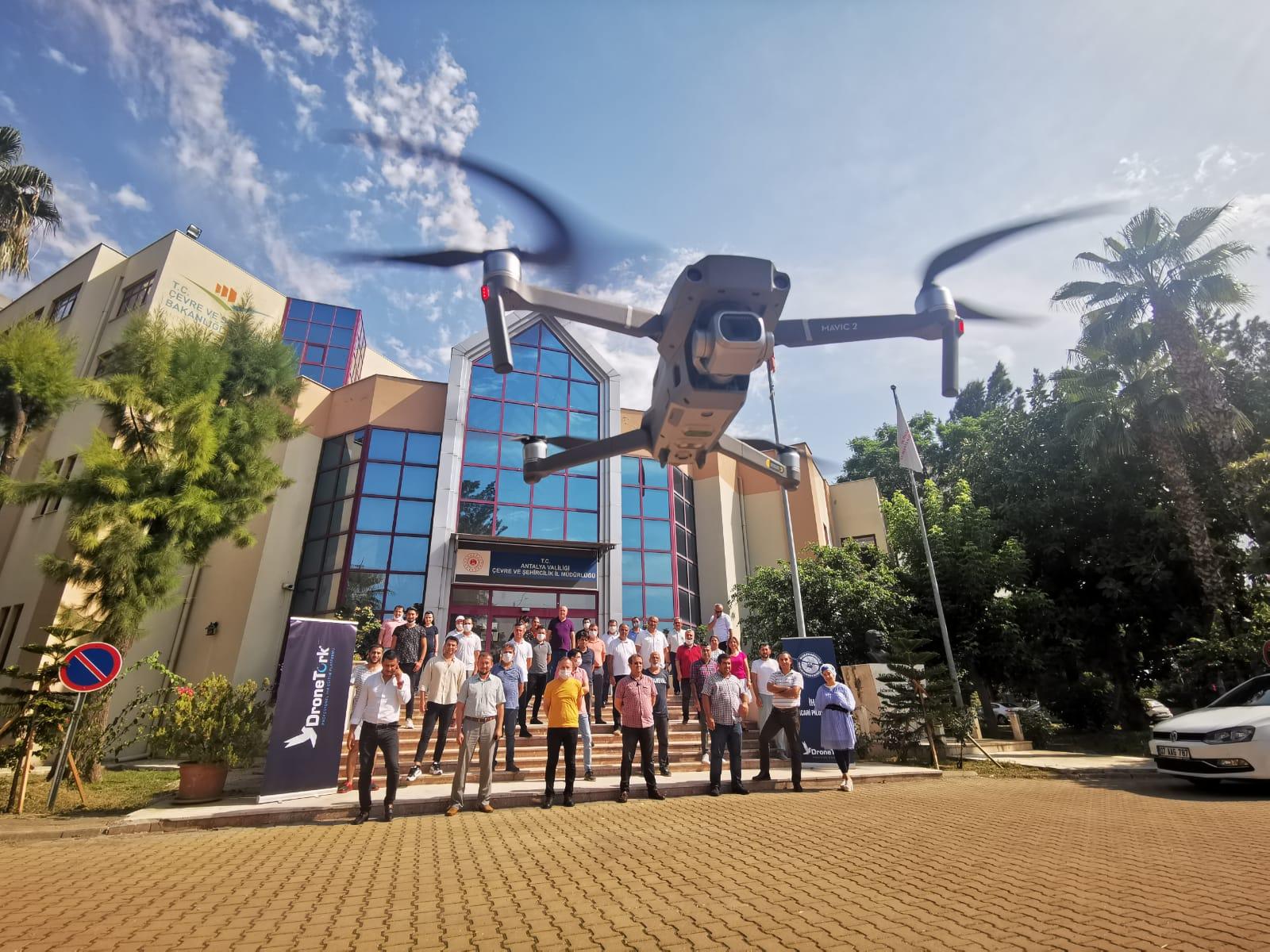 Antalya Çevre ve Şehircilik İl Müdürlüğünde İnsansız Hava Araçları (İHA0-Drone) Eğitimi Yapıldı.