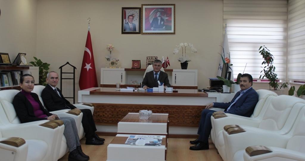Sayın vekilimiz Kemal ÇELİK İl Müdürümüz Tevfik ALTINAY 'ı Makamında ziyaret etmiştir.