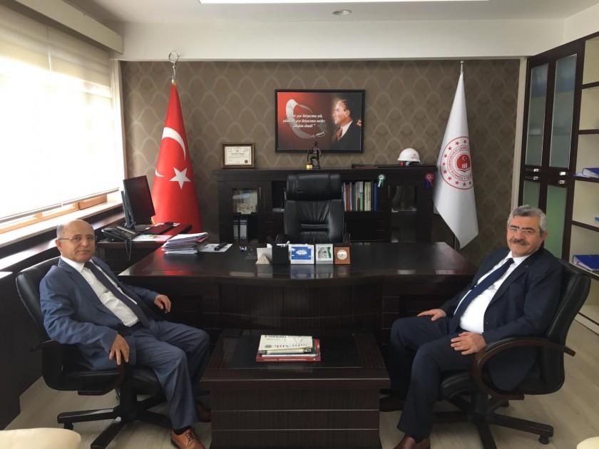 Aydın Vali Yardımcımız Abdullah ASLAN emekliye ayrılması nedeniyle İl Müdürümüz M.Taha AL ziyaret etti.
