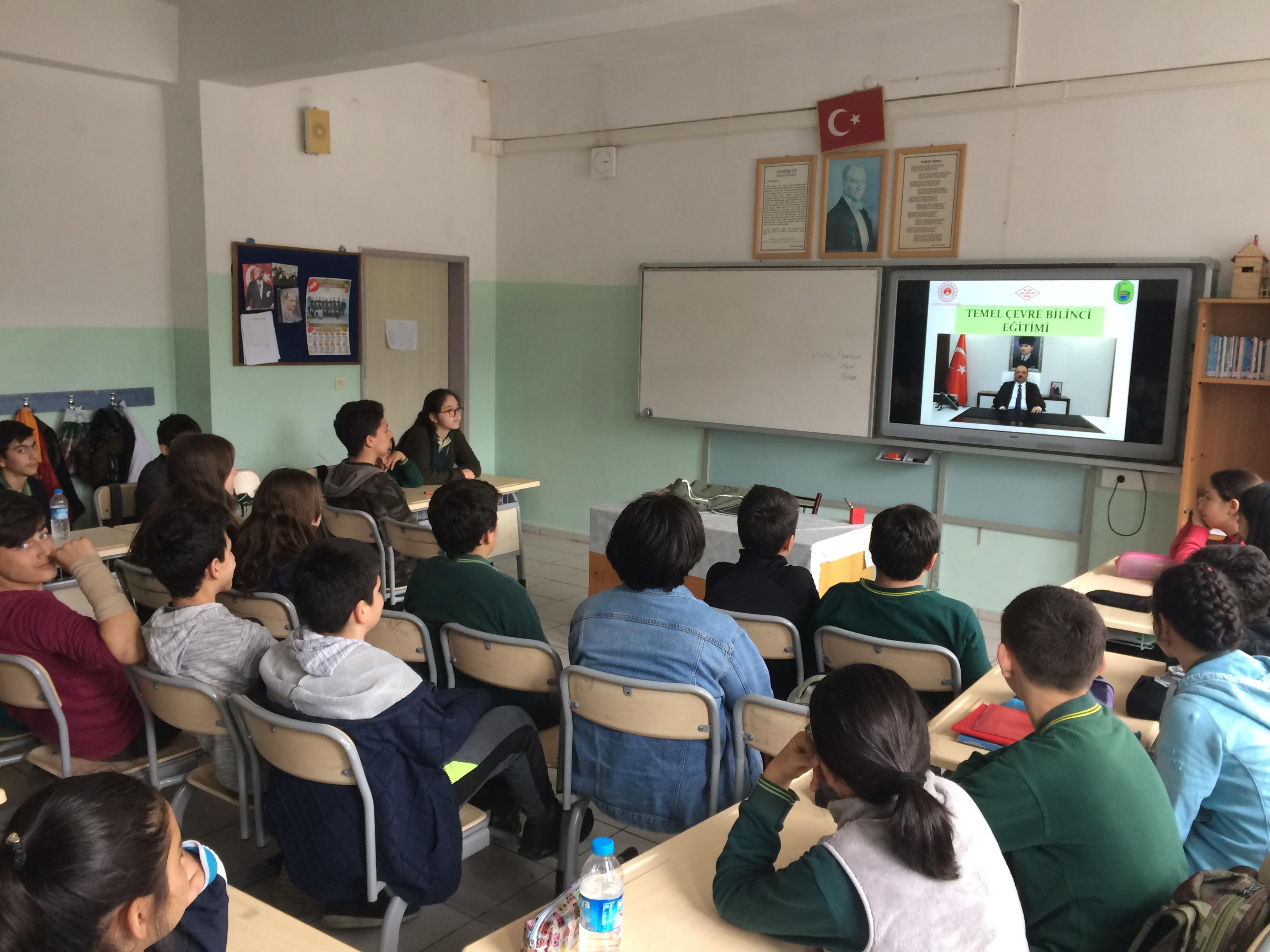 75. Yıl Cumhuriyet Ortaokulu'nda Sıfır Atık Konulu Eğitim Verildi