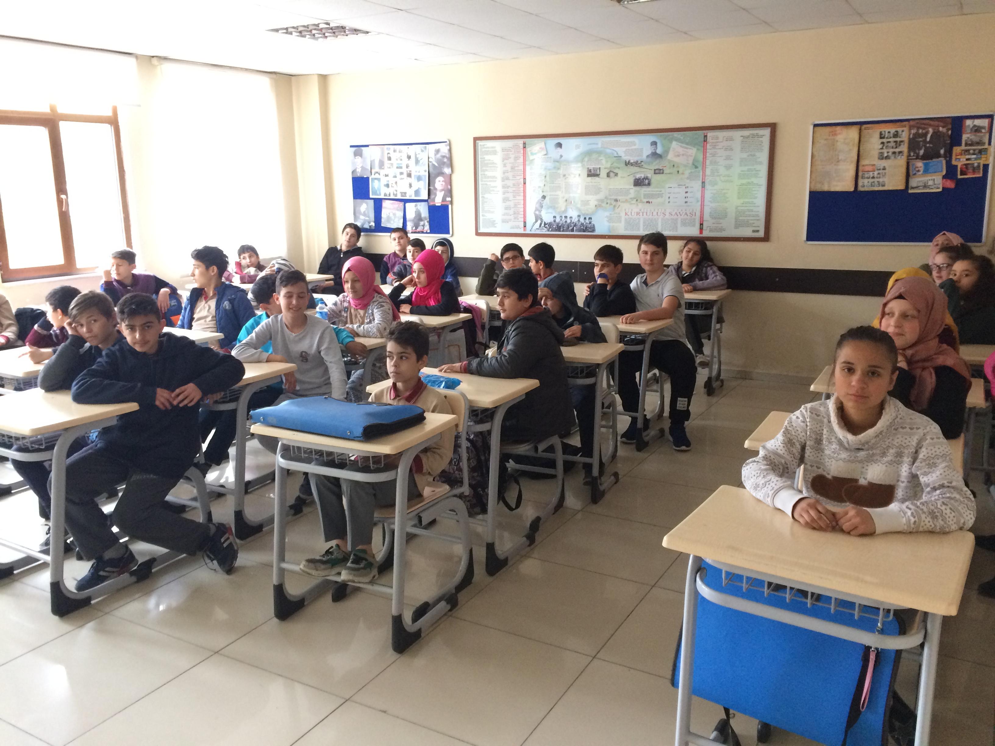 Ulus Merkez İmam Hatip Ortaokulu'nda Sıfır Atık Konulu Eğitim Verildi