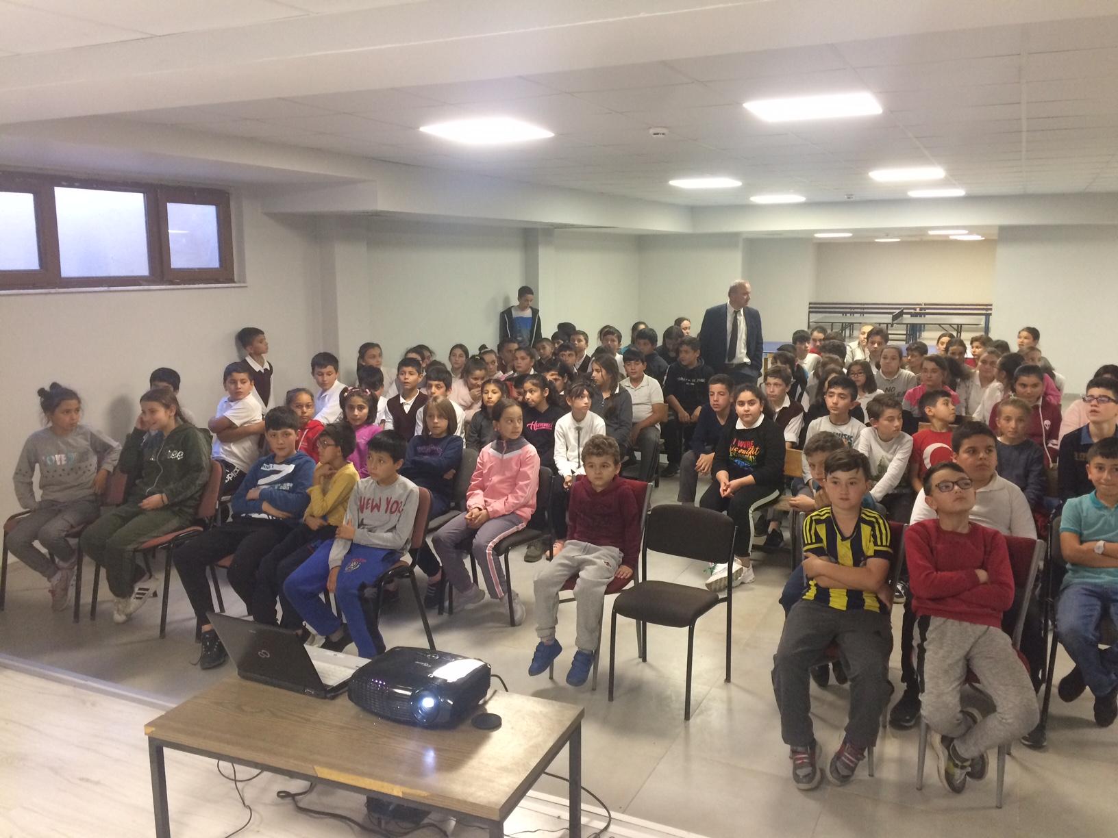 Abdipaşa Ortaokulu'nda Sıfır Atık Konulu Eğitim Verildi