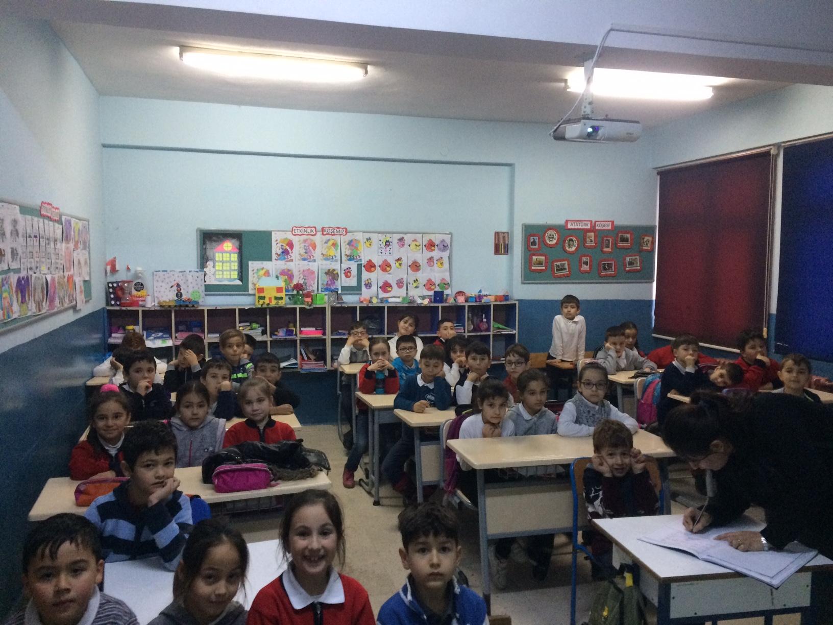 Esenyurt Şehit Ahmet Poyraz İlkokulu'nda Sıfır Atık Konulu Eğitim Verildi
