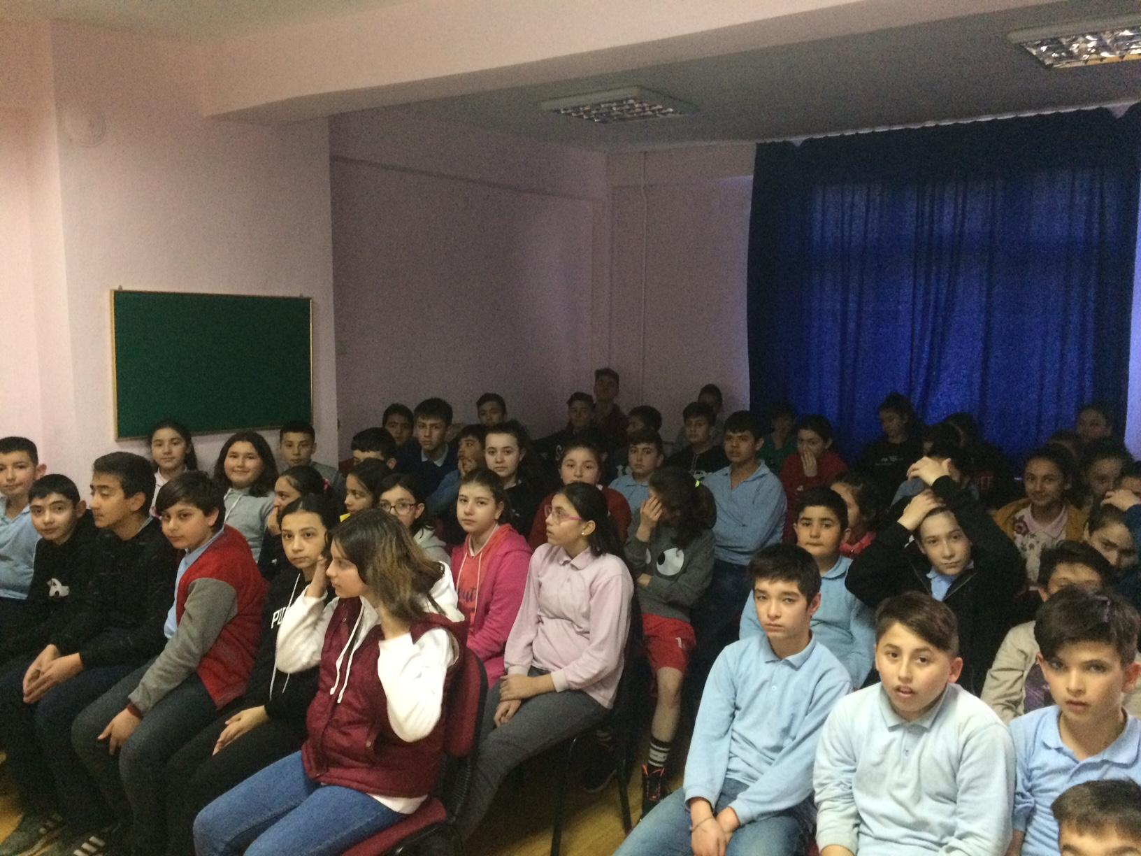 Esenyurt Şehit Ahmet Poyraz Ortaokulu'nda Sıfır Atık Konulu Eğitim Verildi