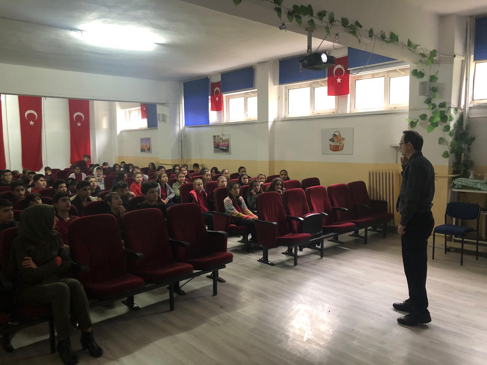 Gürgenpınarı Ortaokulu'nda Sıfır Atık Konulu Eğitim Verildi