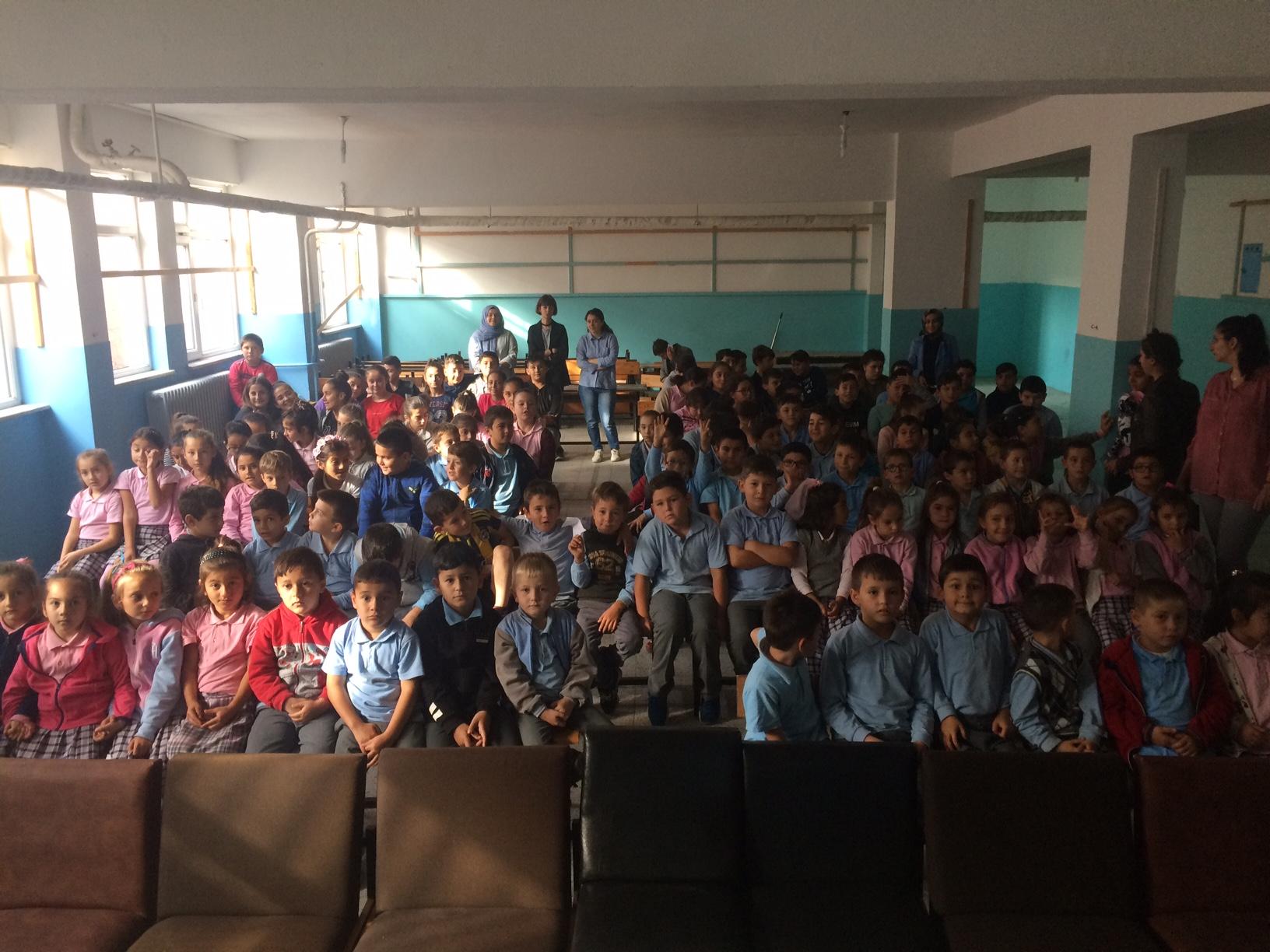 Kurucaşile Hisar Köyü İlkokulu ve Ortaokulu'nda Sıfır Atık Konulu Eğitim Verildi