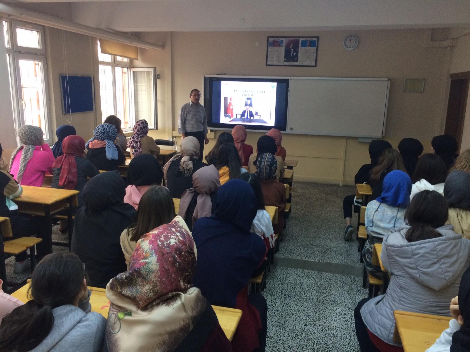 Nene Hatun Kız Anadolu İmam Hatip Lisesi'nde Sıfır Atık Konulu Eğitim Verildi