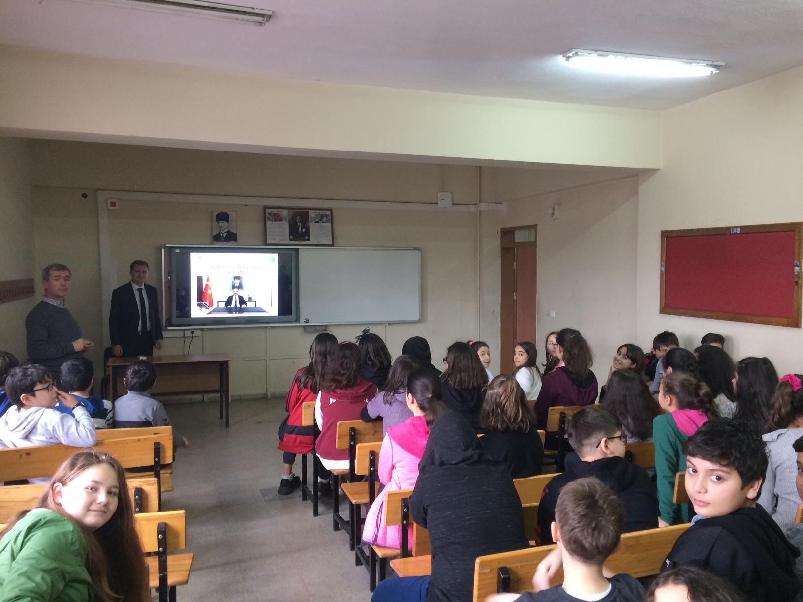 Cumhuriyet Ortaokulu'nda Sıfır Atık Konulu Eğitim Verildi