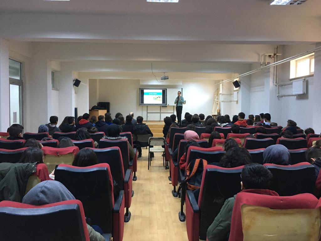 Cumhuriyet Anadolu Lisesi'nde Sıfır Atık Konulu Eğitim Verildi