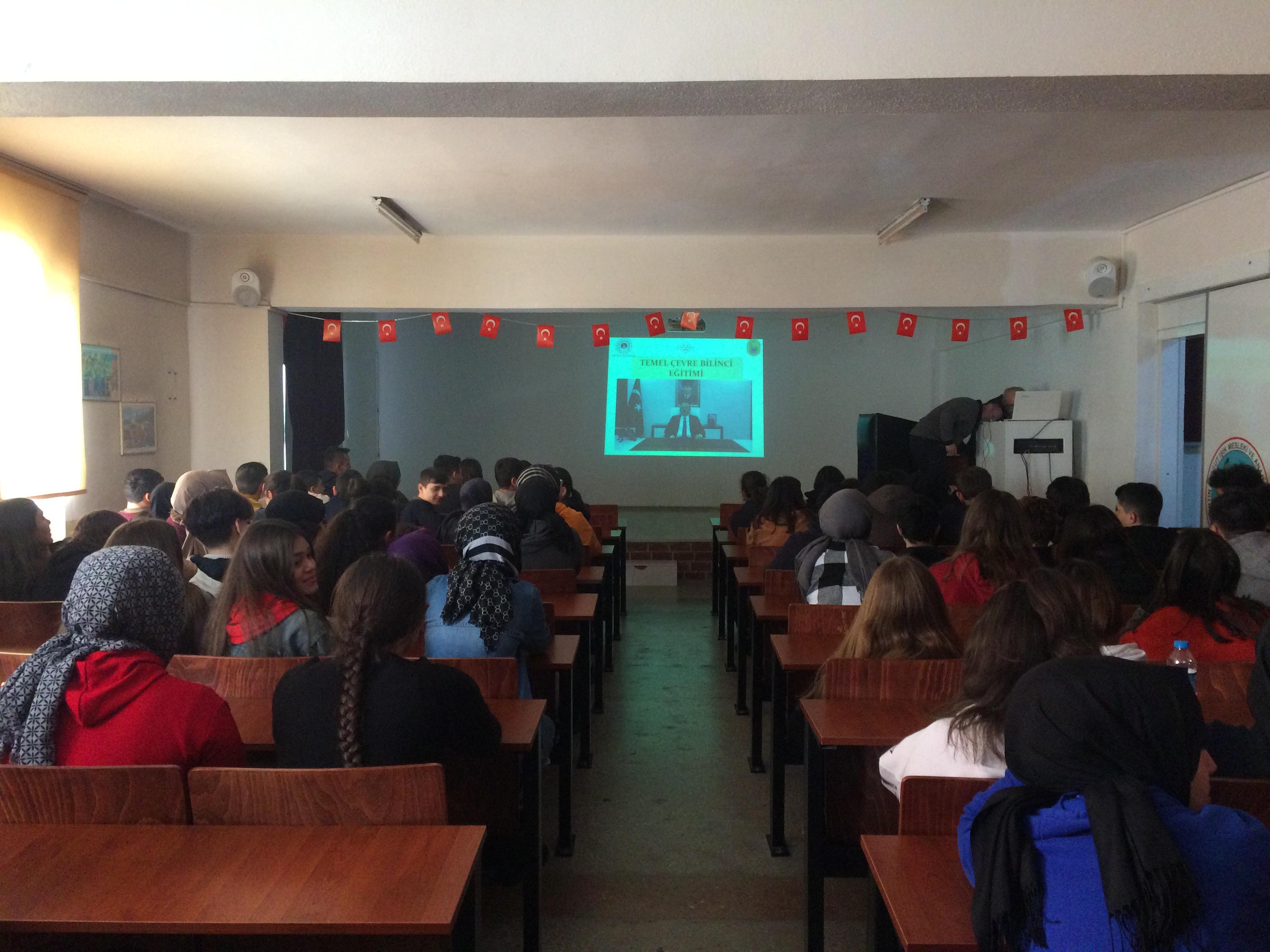 Turgut Işık Mesleki ve Teknik Anadolu Lisesi'nde Sıfır Atık Konulu Eğitim Verildi