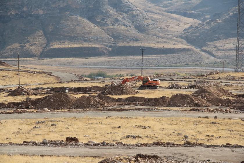 Ilısu Barajından Etkilenen Hasankeyfin Suçeken Köyü Yeni Yerinde Yeniden Yapılıyor