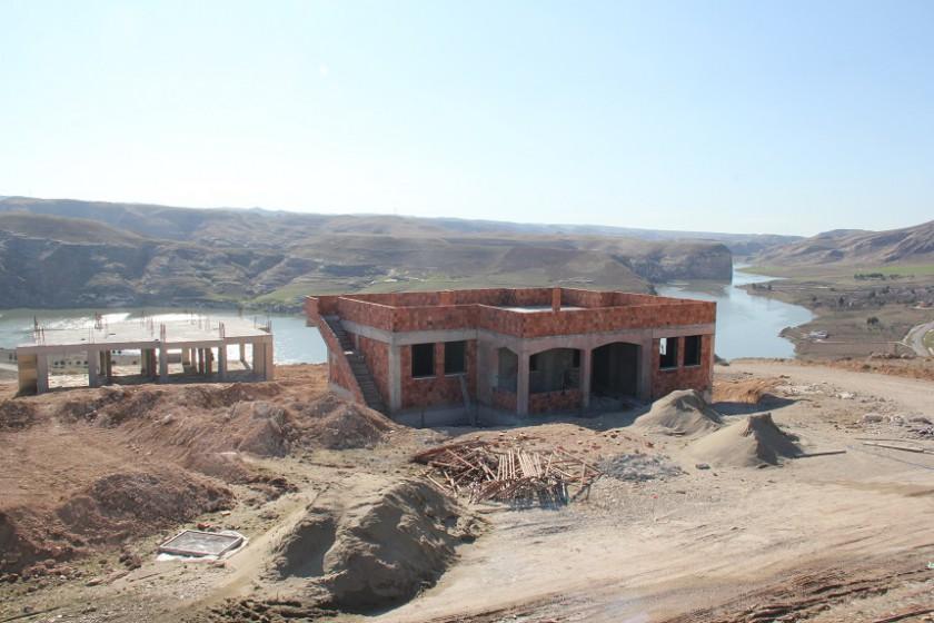 Ilısu Barajından Etkilenen  Suçeken Köyü Yeni Yerinde Yapılıyor