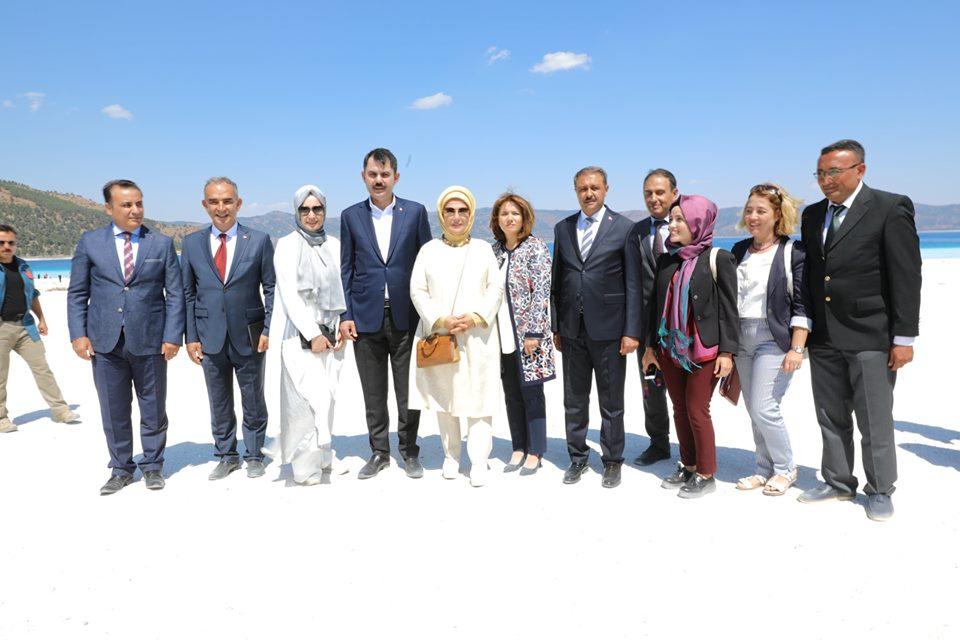 Cumhurbaşkanımız Sayın Recep Tayyip Erdoğan'ın eşi Sayın Emine Erdoğan hanımefendi, Bakanımız Sayın Murat KURUM ve İl Müdürlüğümüz Personeli ile birlikte Salda' da