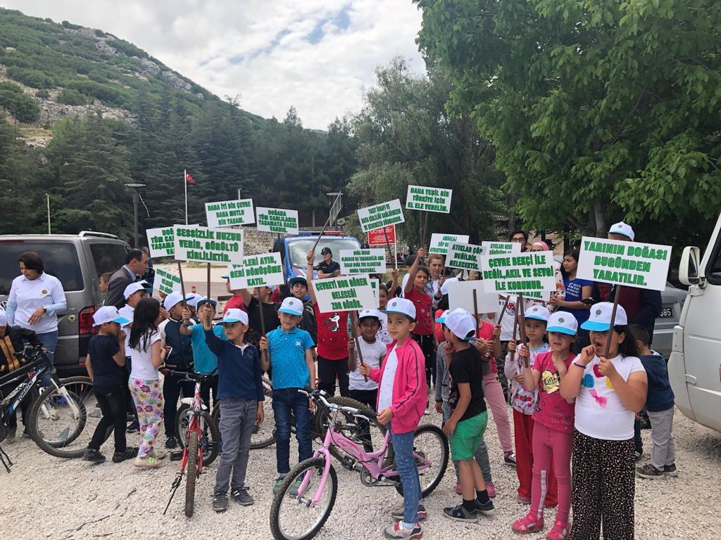 İl Müdürlüğümüz tarafından Çatağıl İlkokulunun katılımı ile Çevre Haftası kapsamında bisiklet etkinliği ve İnsuyu piknik alanında çevre şenliği düzenlenmiştir