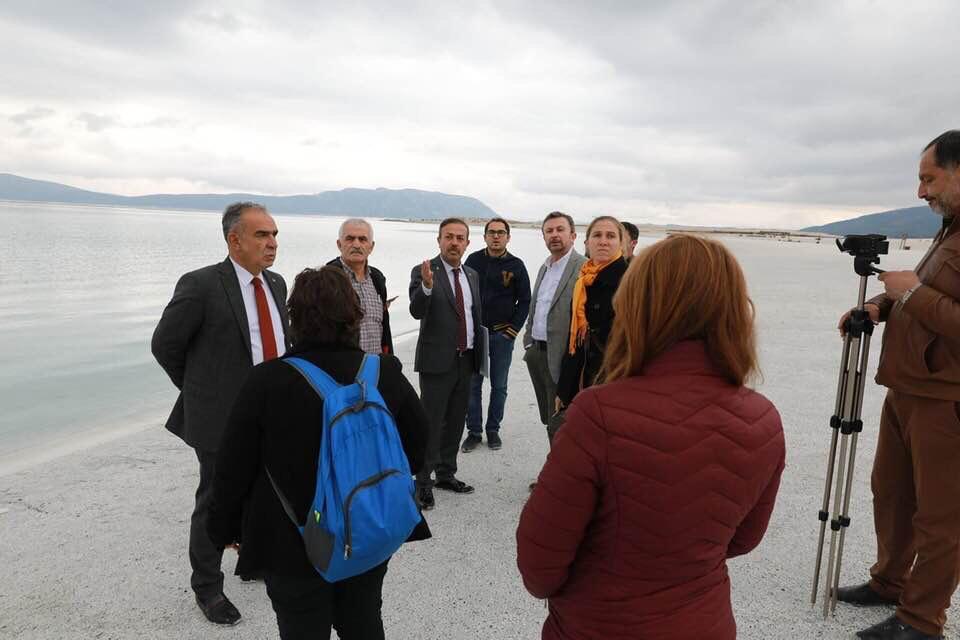 Salda Gölü Çevresinde Doğal Yapının Korunması İle İlgili Çalışmalarımızı Sualtı Araştırmaları Derneği, Doğal Hayatı Koruma Vakfı ve Doğa Araştırmaları Derneği temsilcilerine aktardık