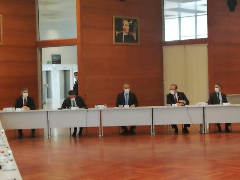 Kaçak Yapı ile Mücadele Toplantısı, Vali Canbolat'ın Başkanlığında Gerçekleştirildi