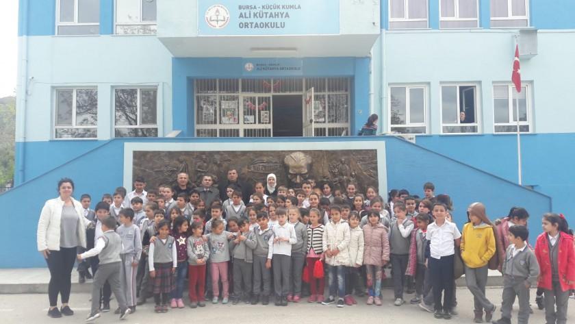 Sıfır Atık ile Çevre Bilinci konulu okullarımıza verilecek olan ilk eğitimimizi gerçekleştirdik.