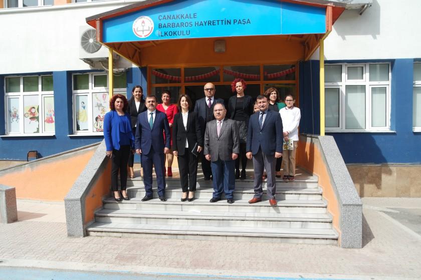 Bakanlığımız tarafından hazırlanan ÇSB Üçlüsü-Doğada Kitabı Barbaros Hayrettin Paşa İlköğretim Okulu, 18 Mart İlkokulu ve Kepez Atatürk İlkokullarında dağıtılmıştır.