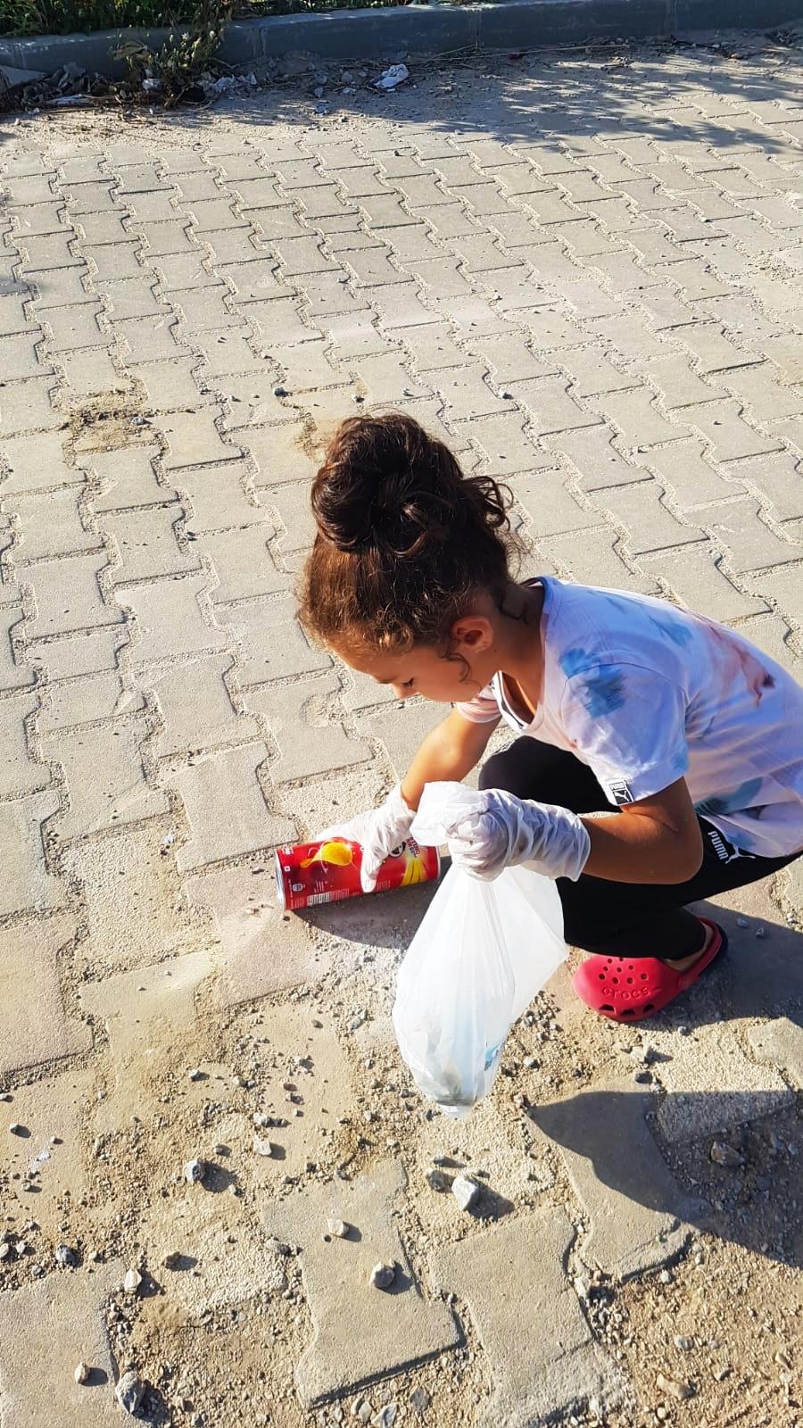 Bigalı Minik Çevreciler İl Müdürümüz Bekir ÇELEN'i Ziyaret Etti