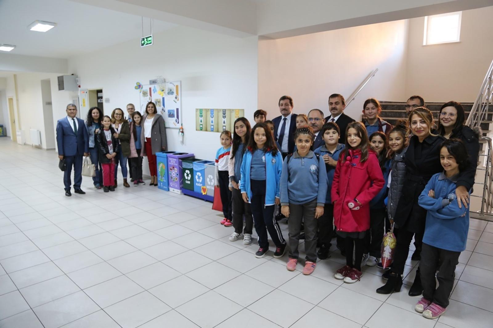 Turgut Reis Ortaokulu Sıfır Atık Projesiyle de Fark Yaratıyor